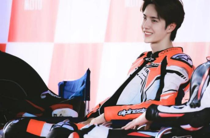 2020尹正王一博珠海ZIC摩托车赛
