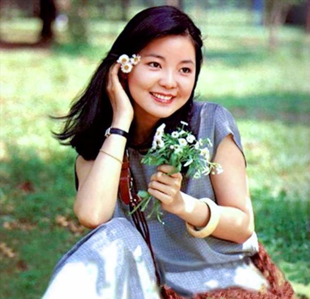 2021《月亮代表我的心》邓丽君经典歌曲演唱会-上海站