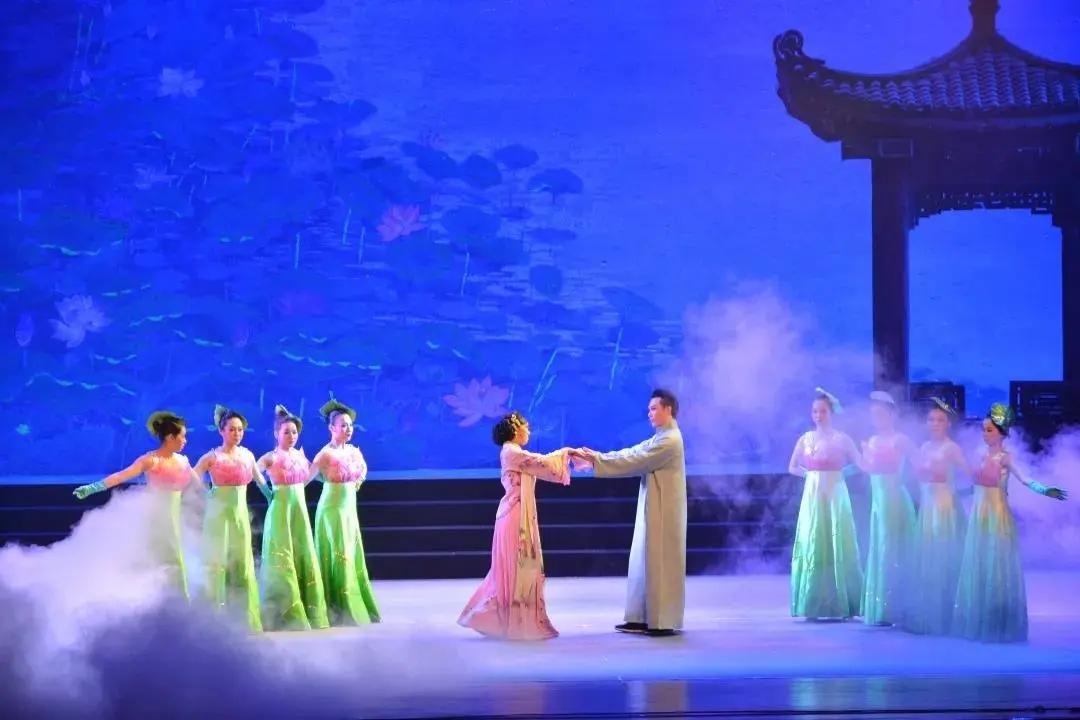 2021福田新春艺术节-深圳市粤剧团大型现代粤剧《风雪夜归人》
