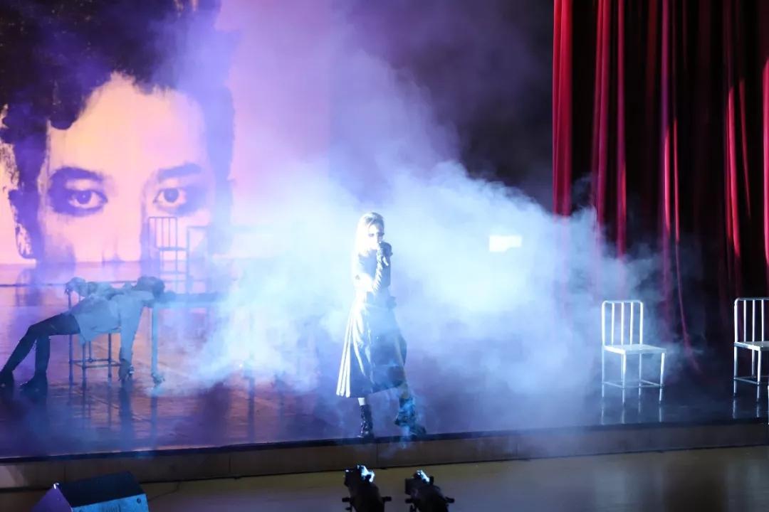 2021孟京辉戏剧作品《太阳和太阳穴》-杭州站