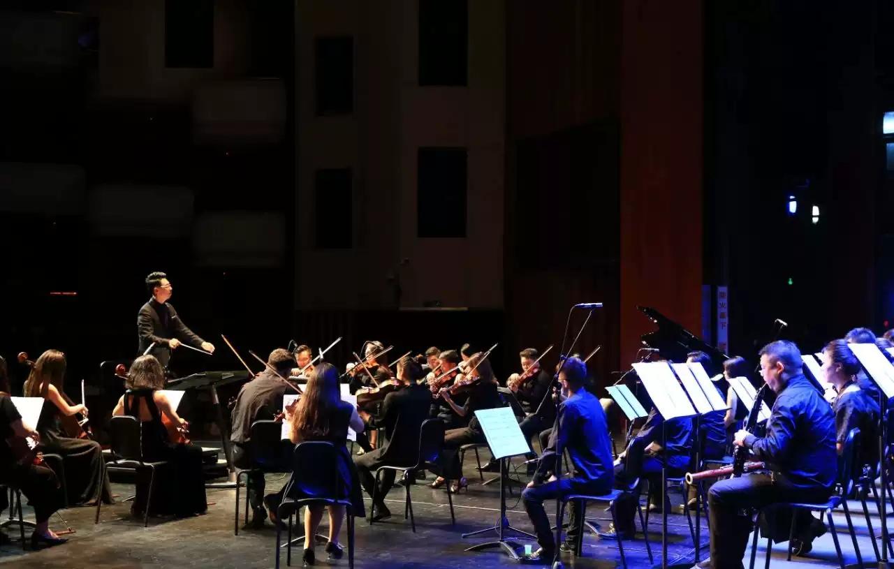 2021飘扬在红旗上的旋律朗诵交响音乐会-珠海站