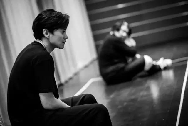 2021南京戏剧节·鼓楼西制造 周一围主演·话剧《枕头人》明星版-南京站