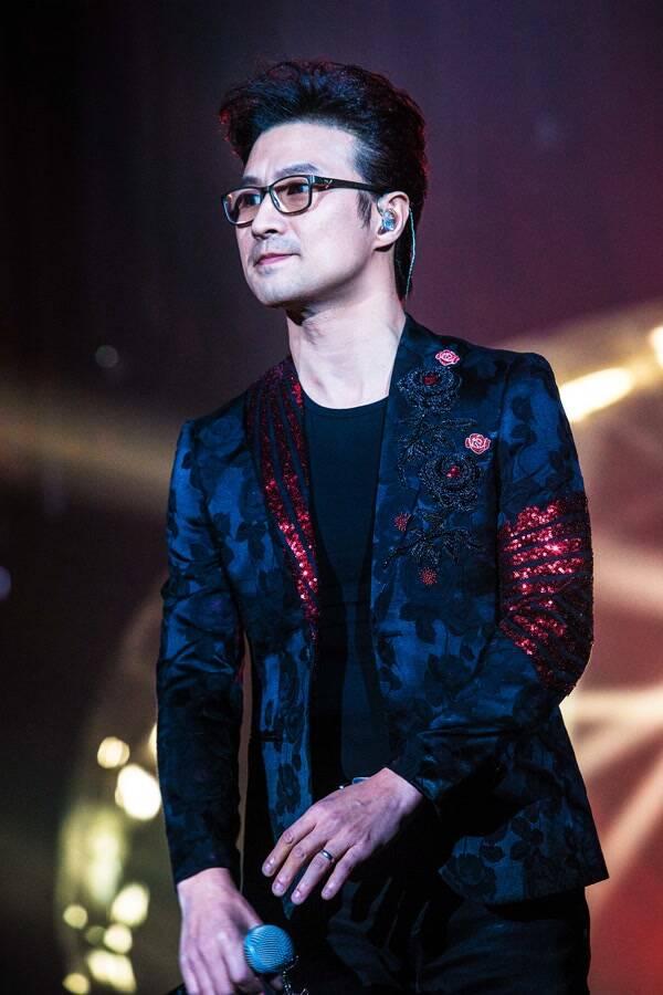 """2021汪峰""""UNFOLLOW""""全国巡回演唱会-成都站"""