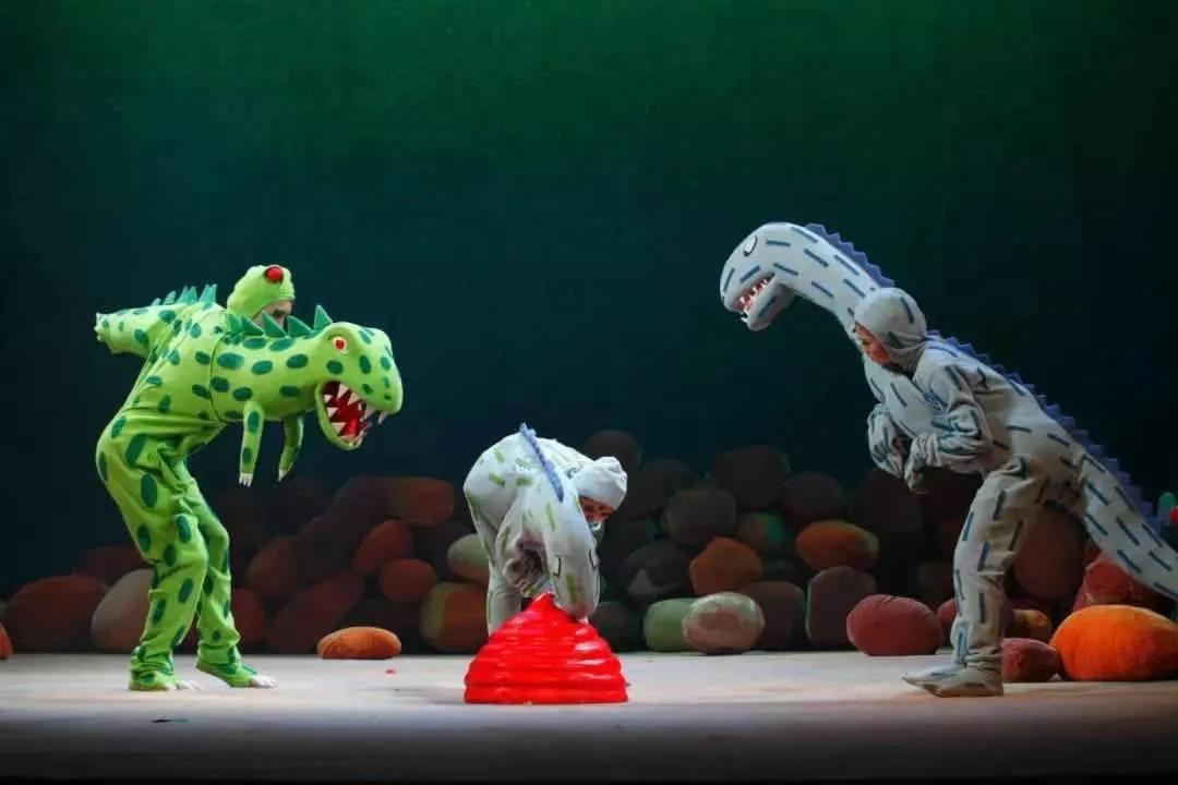 2021大型恐龙主题实景童话剧《你看起来好像很好吃》--南昌站