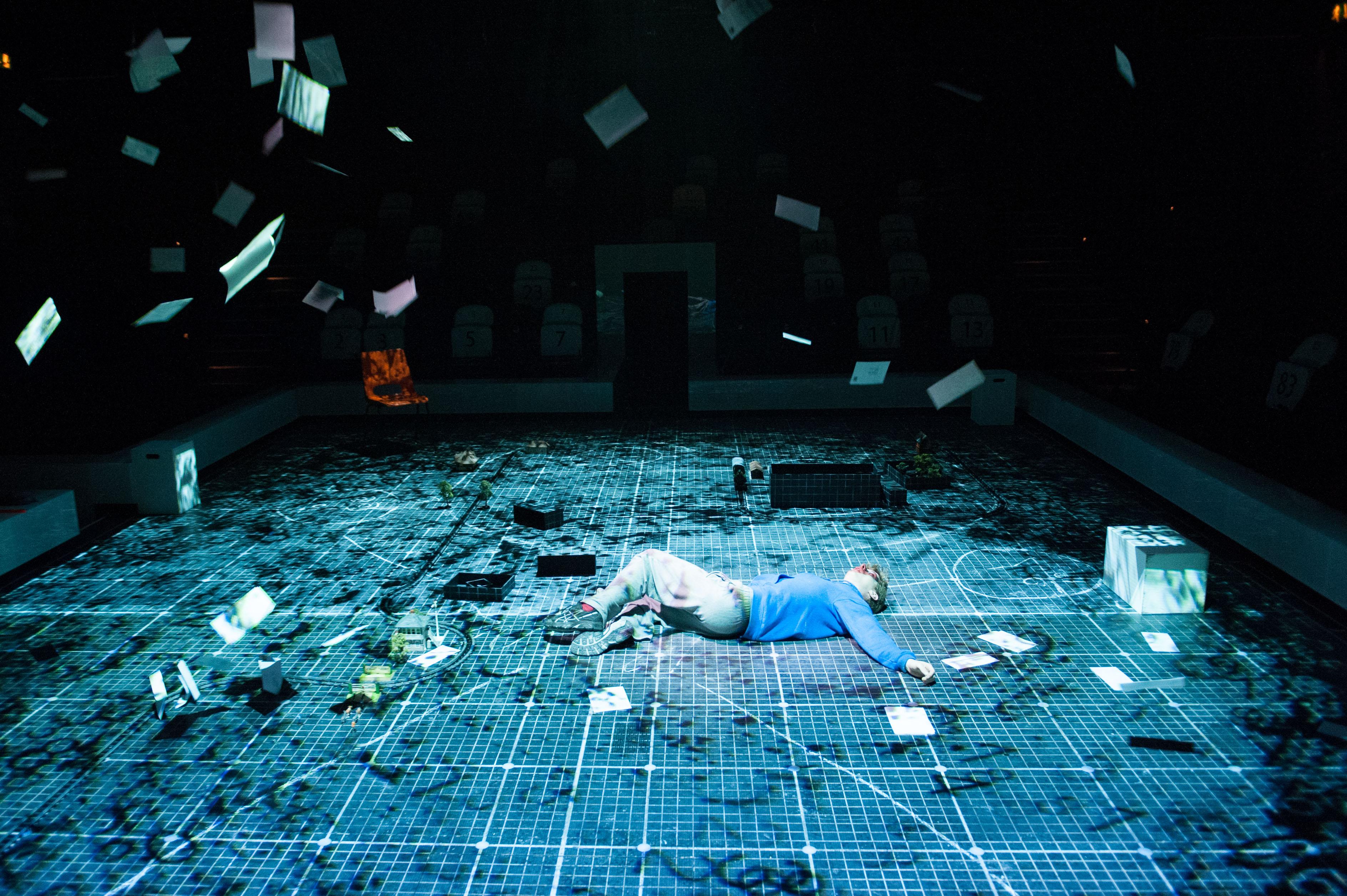 2021高清放映·英国国家剧院现场呈现《深夜小狗离奇事件》-郑州站