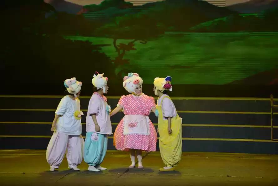 """2021""""快乐童年·童话相伴""""经典话剧展演--童话剧《三只小猪》-郑州站"""