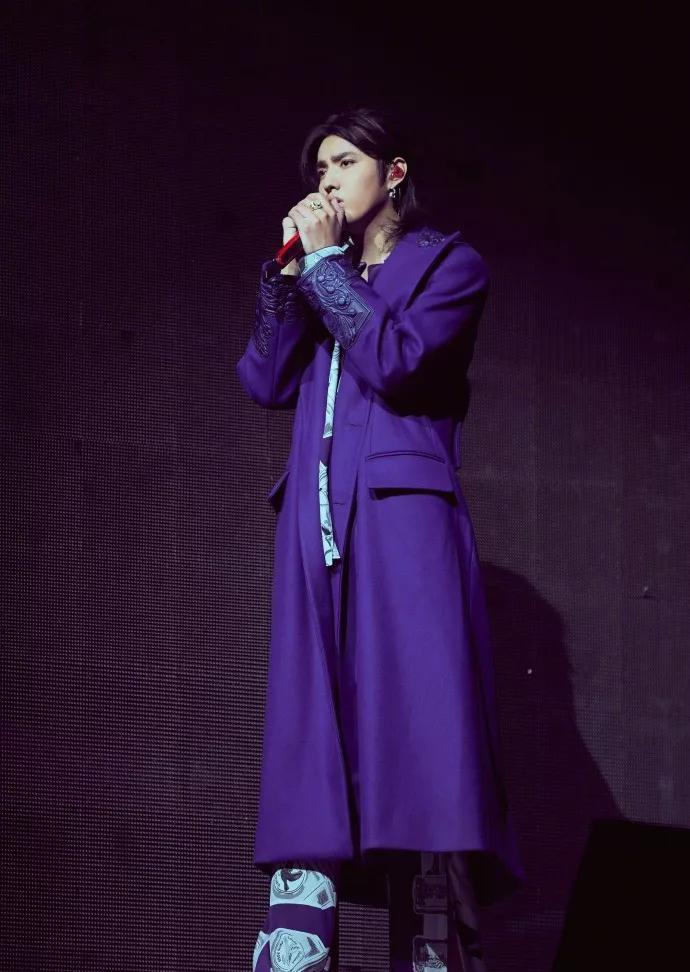 天·地·东·西·ALIVE TOUR吴亦凡2021巡回演唱会-佛山站