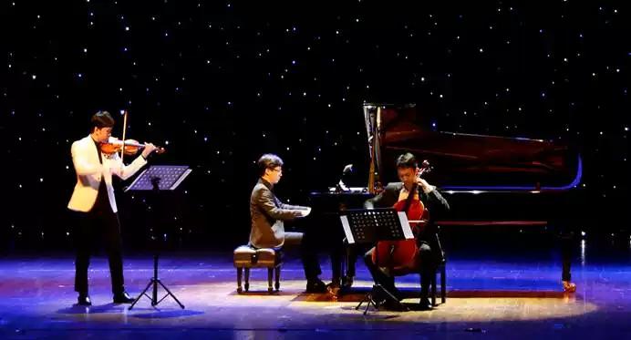 2021一生必听的电影音乐—钢琴小提琴大提琴浪漫邂逅音乐会-杭州站